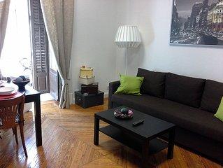 2-8. Las Cortes. Sol. Centro de Madrid. Bonito piso 70m2. Luminoso. WIFI. AA