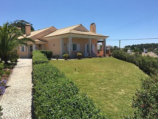 Casa de aldeia, com vista mar e Serra.