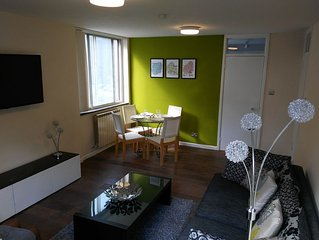 Lovely 2 Bedroom apartment, 5 mins walk to station