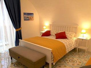 Casa Vincenzo a ChiaJa. A lovely apartment next to via dei Mille