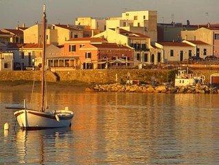Villa silenziosa in riva al mare con patio e grande giardino solo per Famiglie