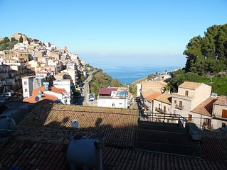 Tipica casa siciliana in un tranquillo paesino a due passi da Cefalù