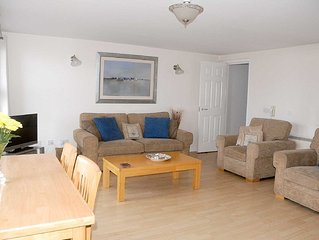 Seaview Apartment 2 Bedroom Luxury Apartment In Newcastle County Down Sleeps 4