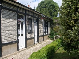 Riverside cottage in Medieval Josselin, great for sightseeing or relaxing
