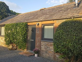 WEE GLEBE, Luxury Converted Stable perfect for romantic getaway