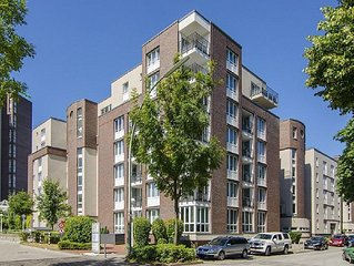 moderne Wohnung in zentraler Lage, citynah und ruhig, Pool, Sauna, Fitness, Golf