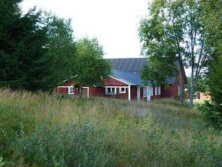 Zwei verbundene gemütliche Ferienwohnungen 160m² /10 Pers. direkt am Wald