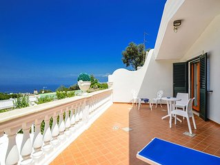 Sea view villa with private swimming pool and parking
