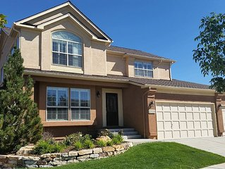Large 5 Bedroom 4 Bath House in North Colorado Springs, Ideal For USAFA Events