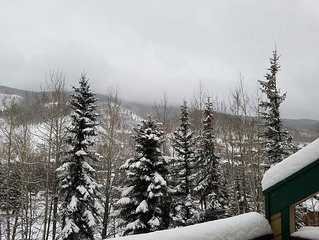 Vail's Best 3 Bedroom Town Home. Park and Play.