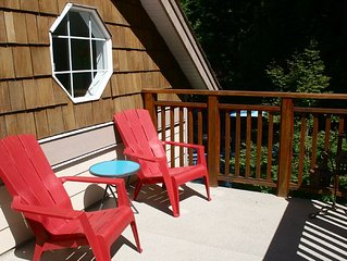 Comox Guest House close to town and walking trails