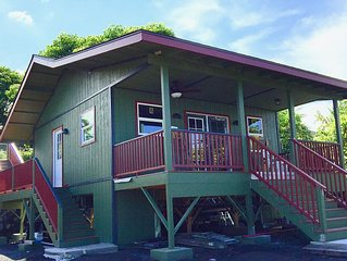 Our Holualoa Cottage Is Right Up The Hill Above Kailua-kona, 12-15 Minute Drive