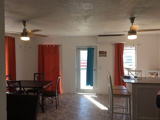 renovated 3bed 2bath close to beach w/small jacuzzi pool / sleeps 10 / gated