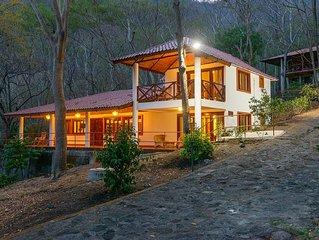 Villa de 2 Habitaciones Frente al Agua