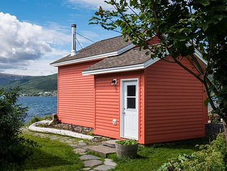 'The Little Wild' - Gros Morne Loft Style Accommodation, at it's finest!