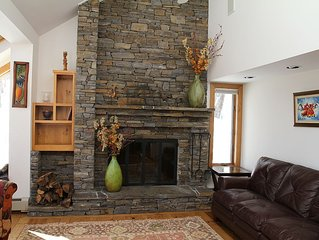 4 Bdrm +Loft, 4 BA Chalet at Hawk resort near Okemo and Kiilington, sleeps 8-12