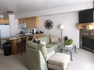 MH502 - 2 bed / 2 bath across from the community pool!