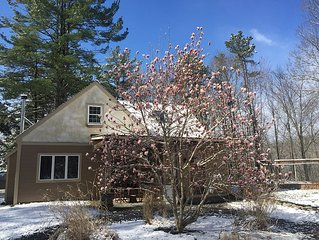 Charming Country Retreat With Mountain Views, Close To All New Paltz Attractions