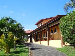 A Beautiful Villa, Pool and additional Jacuzzi, 5 or 7 Bedroom at your choice