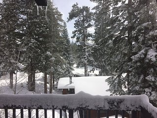 Welcome to our cozy mammoth Lakes Retreat. Location, Location, Location!
