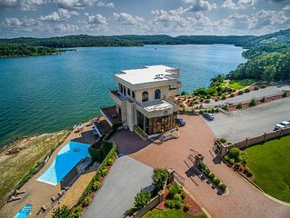 LUXURY IN THE OZARK MOUNTAINS ON TABLE ROCK LAKE
