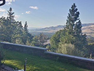 The Best In Ashland: Magnificent View, Privacy, Quality, Convenience, Very Clean