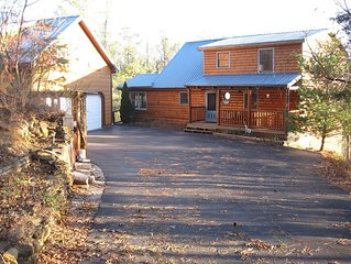 Private and Peaceful Lakefront Cabin, just north of Smokey Mountains