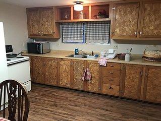 Quiet, 2 bedroom Apartment 'Cabin'