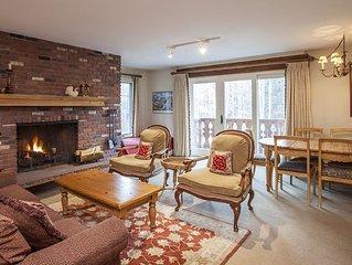 Cozy, Mountain Facing 2 Bedroom Condominium - Chateau Christian #220