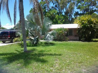 Comfortable 1-Bedroom Home only 5 min. from  beautiful Englewood beach