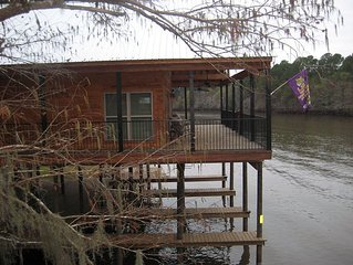 Family Friendly Waterfront River House on Big Cypress Bayou near Caddo Lake Park