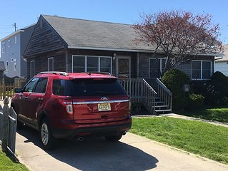 Beautiful Pet Friendly 3 Bd Rancher With Fenced Yard In The Center Of Town!!