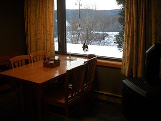 Bolton Valley 2 Bedroom, 2 Bath Cozy Condo with View, on ski/hiking Trails