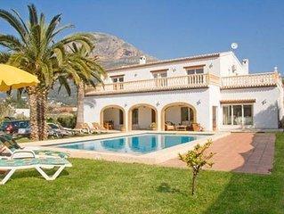 **JAVEA VILLA** Luxury 5 Bedroom Javea Villa With A/C, WiFi, Heated Pool