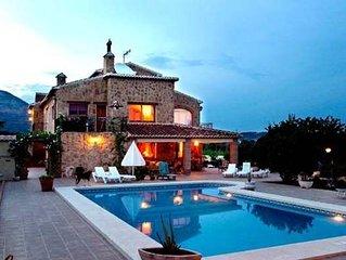 JAVEA VILLA **BOOK  NOW FOR 2018** 6 Bedroom Villa, Pool,Jacuzzi, WiFi, A/C