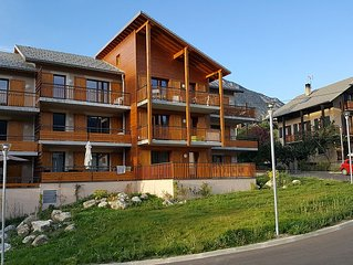 New apartment, Guillestre 3 rooms, sleeps 6, Mountain, Terrace, Parking, Wifi