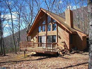 Cozy cabin in the heart of Wintergreen Resort.