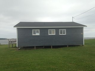 Oceanfront Jewel Getaway! PEI oceanfront cottage just minutes from Cavendish.