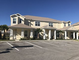 Luxury Townhome with Pool, Near Disney, Free WIFI, Cable & US/Canada calls