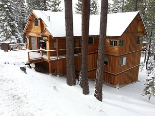 6 bd Large Luxury mountain cabin! Game Room Hot Tub!