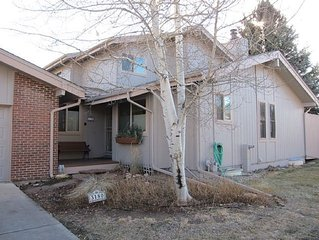 Spacious townhome, centrally located, quiet neighborhood in Boulder, CO
