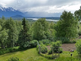 June Specials! Mountainside, Breathtaking View Will Make Your Stay Memorable!