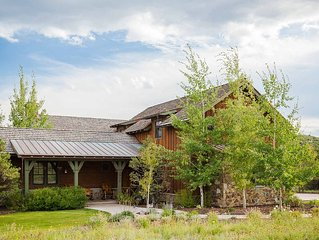 NEW for the holidays - Family-friendly Exclusive Residence sleeps 18!