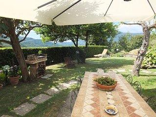Nel verde delle colline  della Versilia per un soggiorno rilassante.