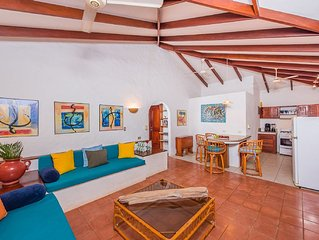 Barefoot Bungalow in Playa Grande's exclusive Palm Beach Estates