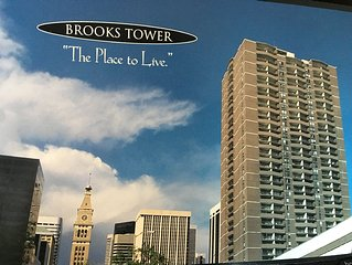 BrooksTower: 15th floor condo w/ sunset mountain view,  new TV/furniture/carpet