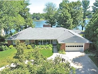 Pointe of Viewe: 7 BR Home on Spring Lake w/ Private Dock & Yard (Sleeps 20)