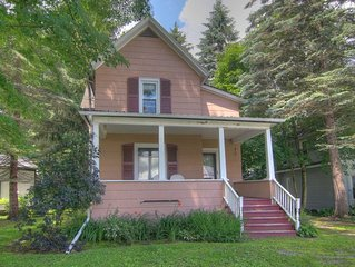 4 Elk - Spacious Victorian Home in the Heart of the Village