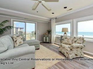 El Marlyn, Stunning  2 level, oceanfront unit in convenient mid town location