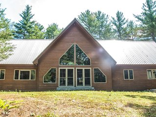 NEW LISTING!  Luxury 4 bedroom post/beam home located minutes from North Conway
